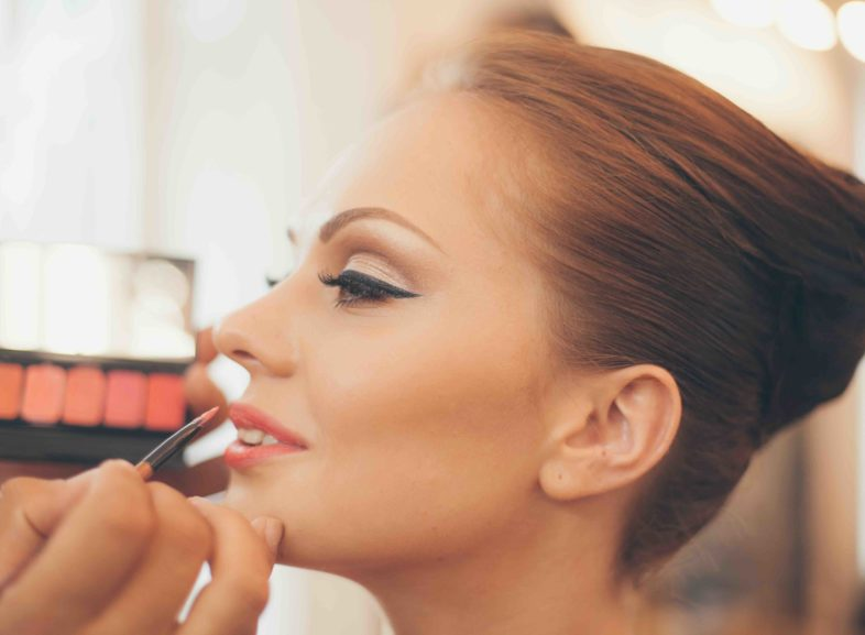 Your Wedding Day: Your Wedding Makeup And Hair